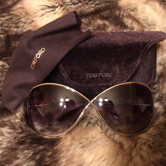 c9f15c2f807 TOM FORD MIRANDA SUNGLASSES -AUTHENTIC - LIKE NEW.  M 5aab25133b16082eaa3facc8. Other Accessories ...